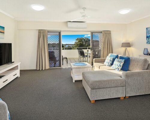 unit-103-rovera-cotton-tree-holiday-apartments (2)