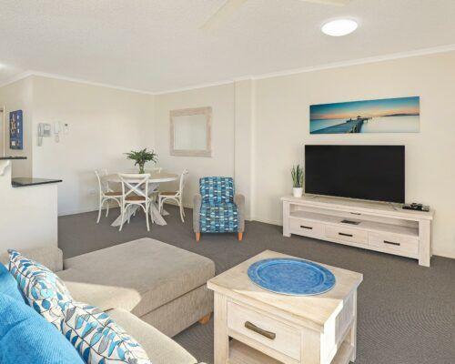 unit-103-rovera-cotton-tree-holiday-apartments (3)