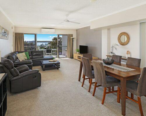 unit-201-rovera-cotton-tree-holiday-apartments (6)