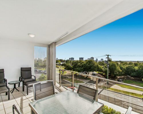 unit-202-1-bedroom-superior-water-view (2)