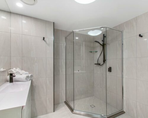unit-202-1-bedroom-superior-water-view (5)