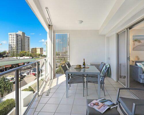 unit-205-rovera-cotton-tree-holiday-apartments (4)