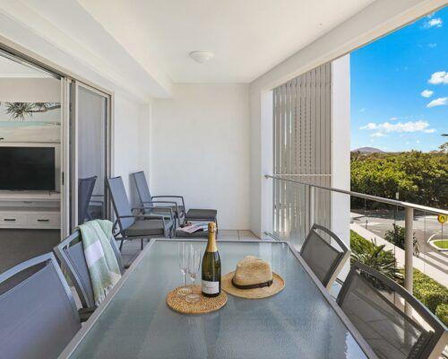 unit-205-rovera-cotton-tree-holiday-apartments (5)