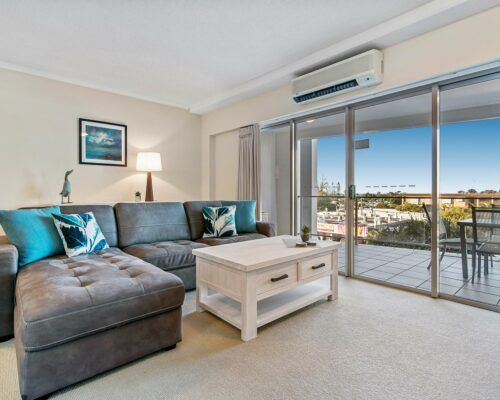 unit-206-1-bedroom-water-view-apartments (1)