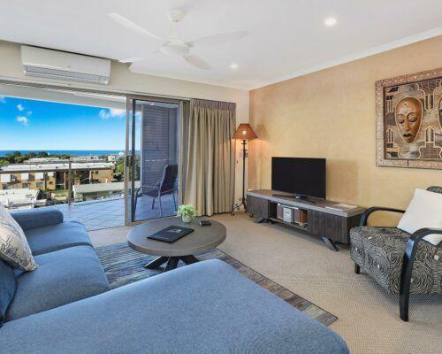 unit-403-rovera-cotton-tree-holiday-apartments (3)