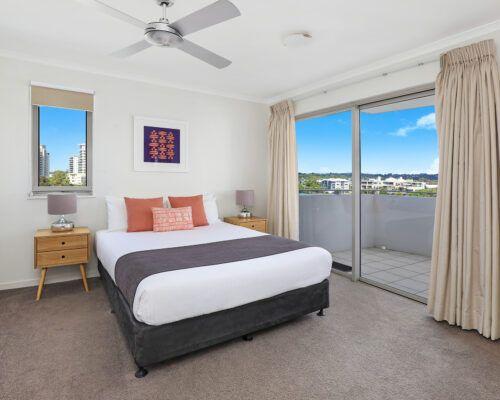 unit-405-rovera-cotton-tree-holiday-apartments (1)