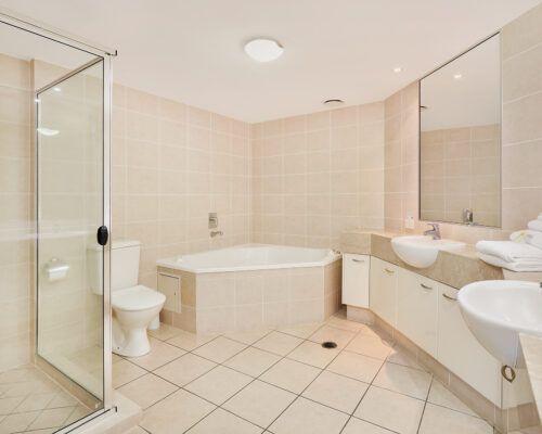 unit-405-rovera-cotton-tree-holiday-apartments (3)